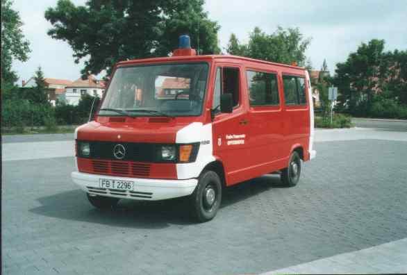 VW Bus vorne Oldtimer Rockenberg 1